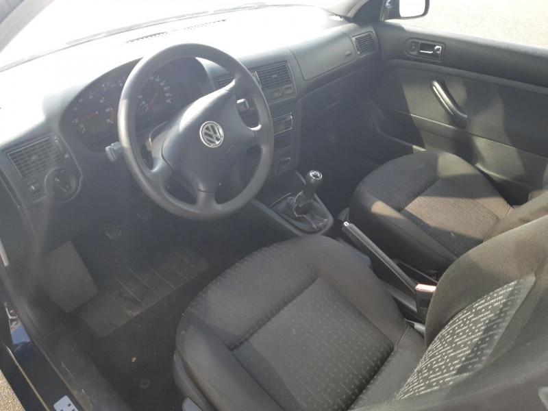 Photo 3 de l'offre de VOLKSWAGEN GOLF IV 1.4 75CH 3P à 3990€ chez Carlyss automobiles Vitré