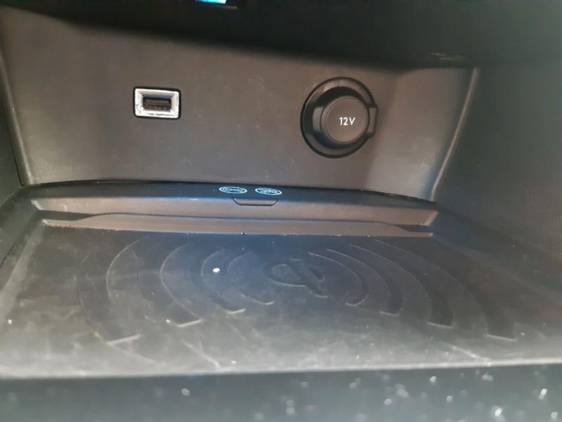 Photo 14 de l'offre de PEUGEOT 3008 2.0 BLUEHDI 150CH GT LINE S&S à 20990€ chez Carlyss automobiles Vitré