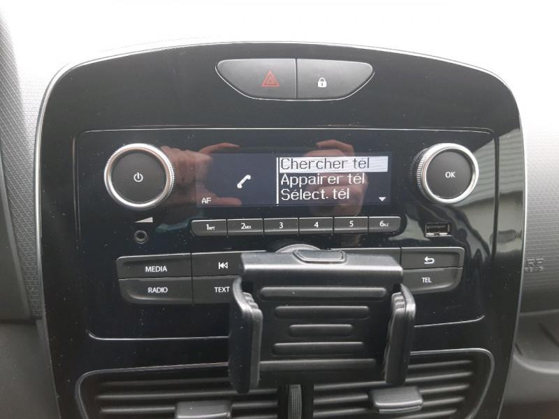 Photo 10 de l'offre de RENAULT CLIO IV ESTATE 1.5 DCI 90CH ENERGY ZEN EURO6C à 9990€ chez Carlyss automobiles Vitré