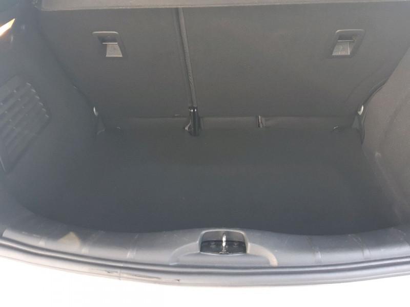 Photo 9 de l'offre de CITROEN C3 1.6 E-HDI90 AIRDREAM CONFORT à 8390€ chez Carlyss automobiles Vitré