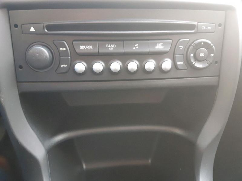 Photo 8 de l'offre de CITROEN C3 1.6 E-HDI90 AIRDREAM CONFORT à 8390€ chez Carlyss automobiles Vitré