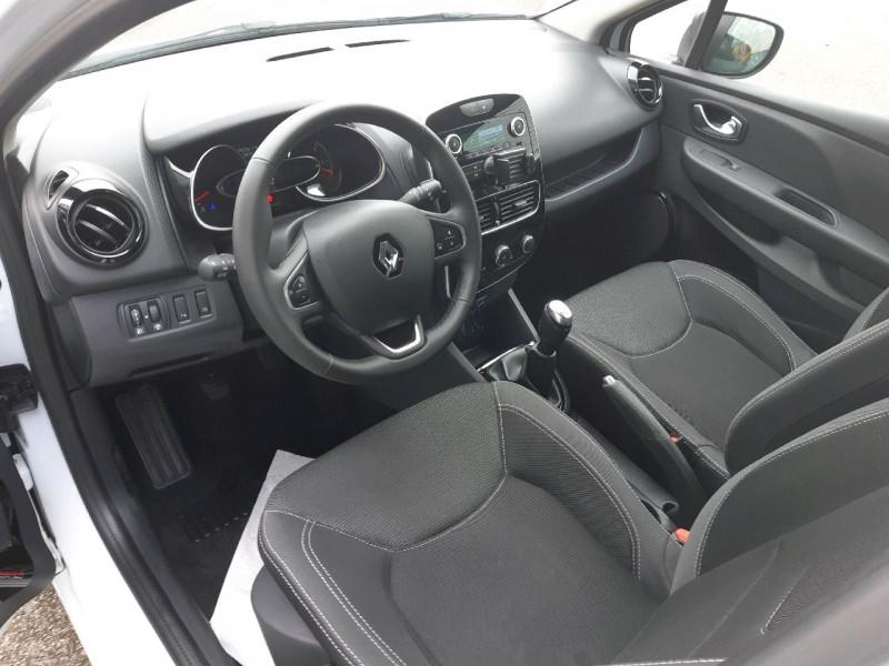 Photo 5 de l'offre de RENAULT CLIO IV ESTATE 1.5 DCI 90CH ENERGY ZEN EURO6C à 9990€ chez Carlyss automobiles Vitré