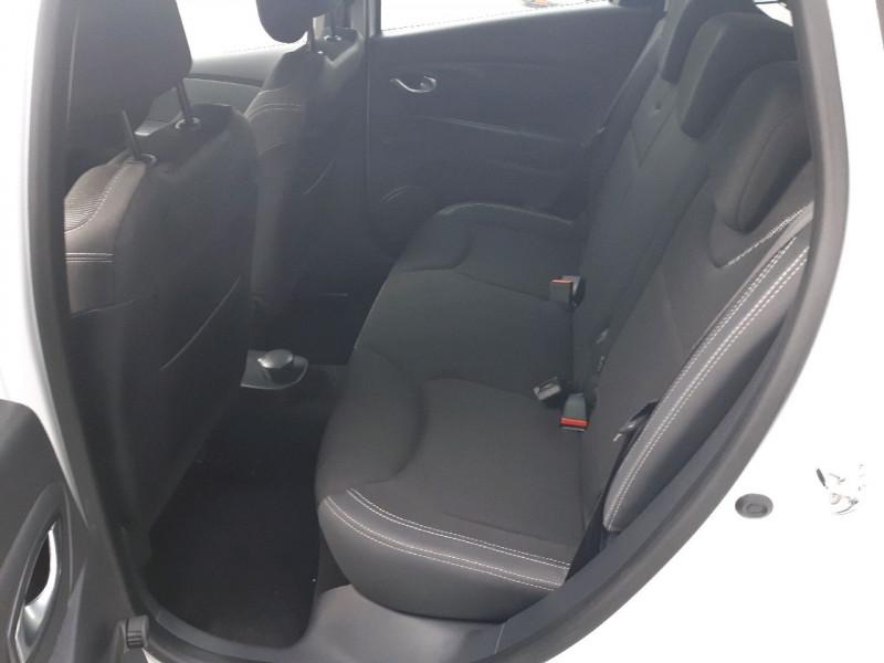 Photo 6 de l'offre de RENAULT CLIO IV ESTATE 1.5 DCI 90CH ENERGY ZEN EURO6C à 9990€ chez Carlyss automobiles Vitré