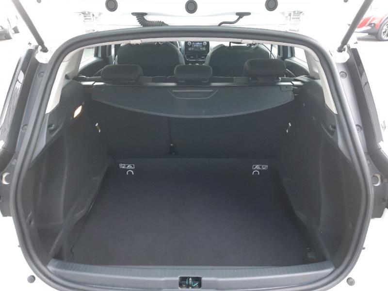 Photo 4 de l'offre de RENAULT CLIO IV ESTATE 1.5 DCI 90CH ENERGY ZEN EURO6C à 9990€ chez Carlyss automobiles Vitré
