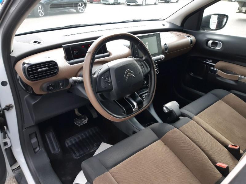Photo 6 de l'offre de CITROEN C4 CACTUS BLUEHDI 100 SHINE S&S ETG6 à 11290€ chez Carlyss automobiles Vitré