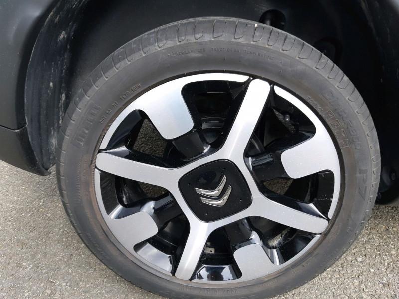 Photo 4 de l'offre de CITROEN C4 CACTUS BLUEHDI 100 SHINE S&S ETG6 à 11290€ chez Carlyss automobiles Vitré