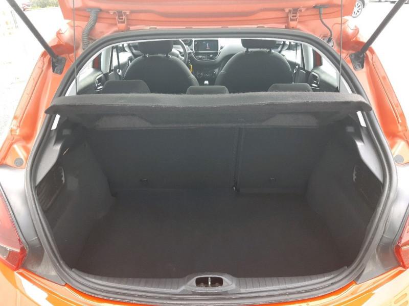 Photo 4 de l'offre de PEUGEOT 208 1.2 PURETECH 82CH ACTIVE 5P à 9790€ chez Carlyss automobiles Vitré