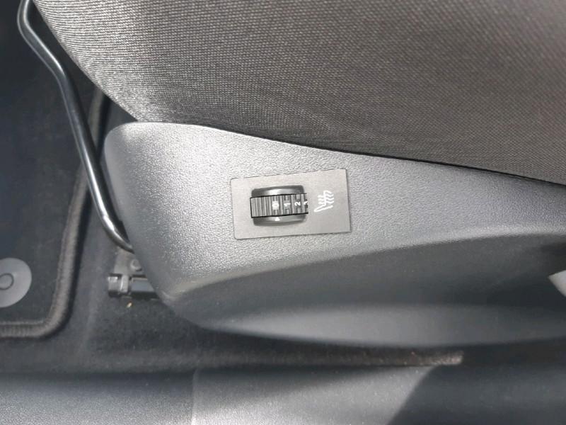 Photo 8 de l'offre de PEUGEOT 208 1.2 PURETECH 82CH STYLE 5P à 10990€ chez Carlyss automobiles Vitré