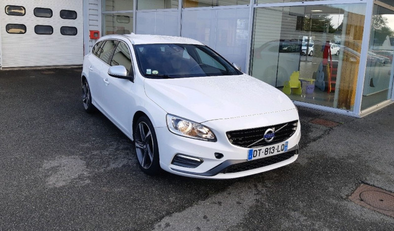 Volvo V60 D4 190CH R-DESIGN GEARTRONIC Diesel BLANC Occasion à vendre