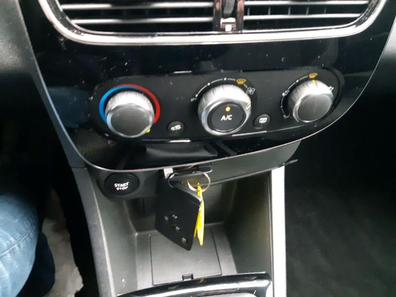 Photo 9 de l'offre de RENAULT CLIO IV ESTATE 1.5 DCI 90CH ENERGY ZEN EURO6C à 9490€ chez Carlyss automobiles Vitré