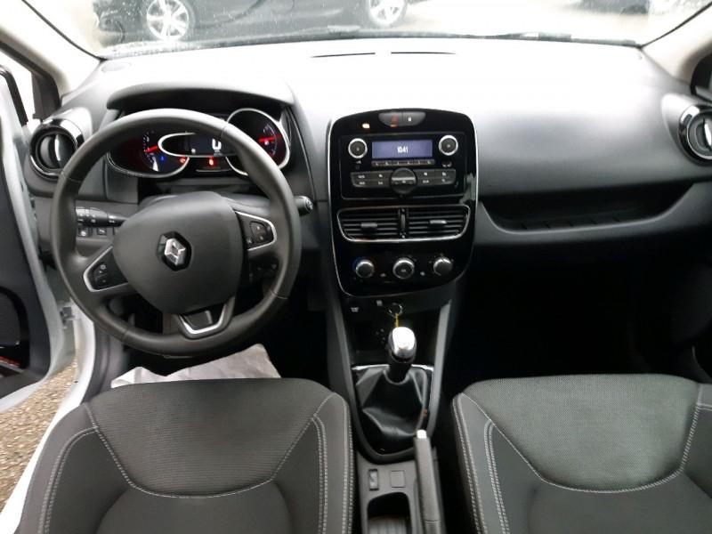 Photo 8 de l'offre de RENAULT CLIO IV ESTATE 1.5 DCI 90CH ENERGY ZEN EURO6C à 9490€ chez Carlyss automobiles Vitré