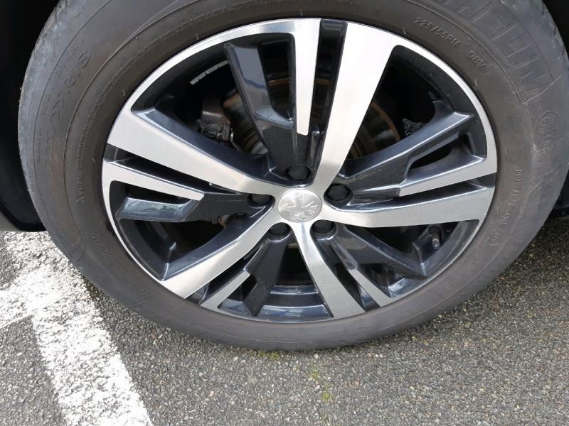 Photo 4 de l'offre de PEUGEOT 3008 1.6 BLUEHDI 120CH ALLURE S&S à 18490€ chez Carlyss automobiles Vitré