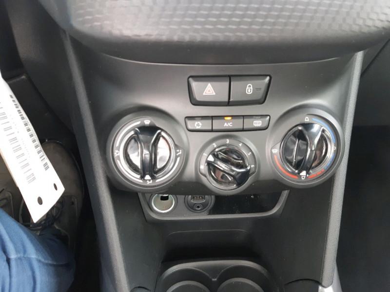 Photo 8 de l'offre de PEUGEOT 2008 1.2 PURETECH 82CH ACTIVE à 12490€ chez Carlyss automobiles Vitré