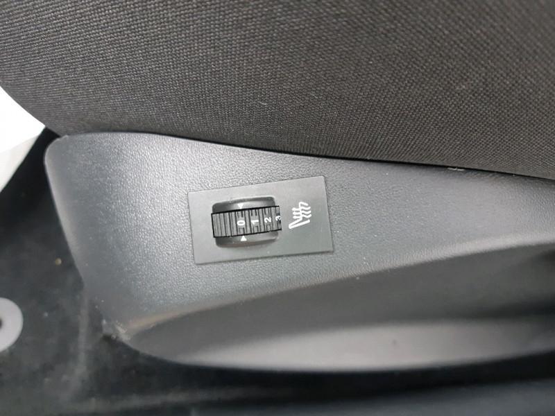 Photo 9 de l'offre de PEUGEOT 2008 1.2 PURETECH 110CH STYLE S&S à 11490€ chez Carlyss automobiles Vitré