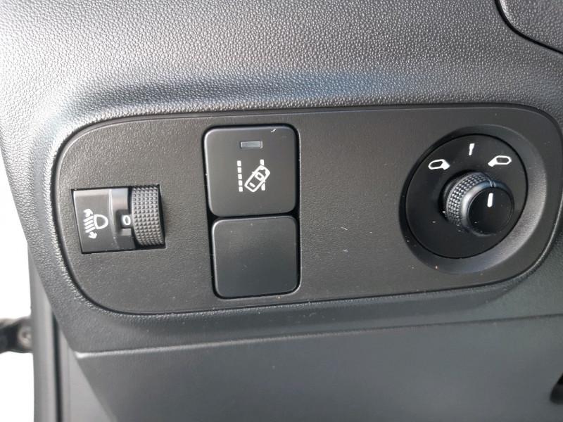 Photo 10 de l'offre de CITROEN C3 PURETECH 82CH FEEL à 10990€ chez Carlyss automobiles Vitré