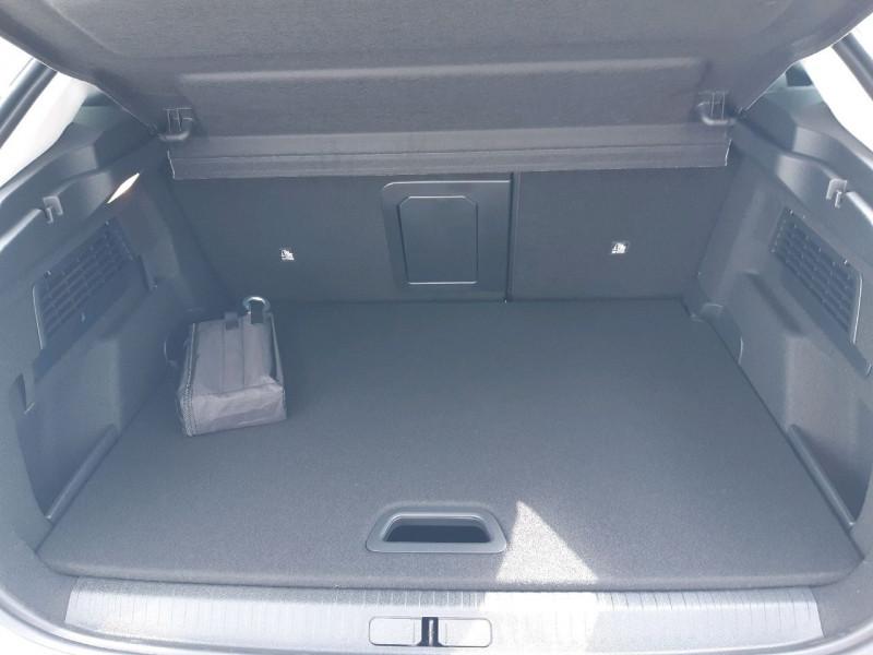 Photo 8 de l'offre de CITROEN C4 PURETECH 130CH S&S SHINE PACK EAT8 à 27990€ chez Carlyss automobiles Vitré