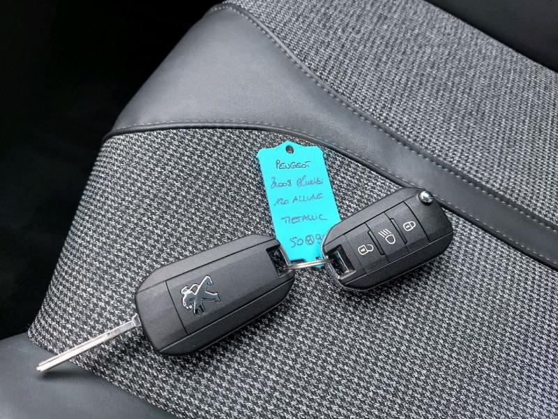 Photo 12 de l'offre de PEUGEOT 3008 1.6 BLUEHDI 120CH ALLURE S&S à 20490€ chez Carlyss automobiles Vitré