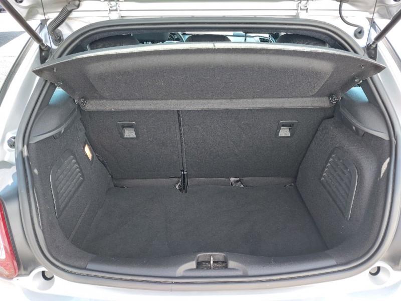Photo 4 de l'offre de CITROEN DS3 1.2 VTI PURETECH SO CHIC à 9490€ chez Carlyss automobiles Vitré