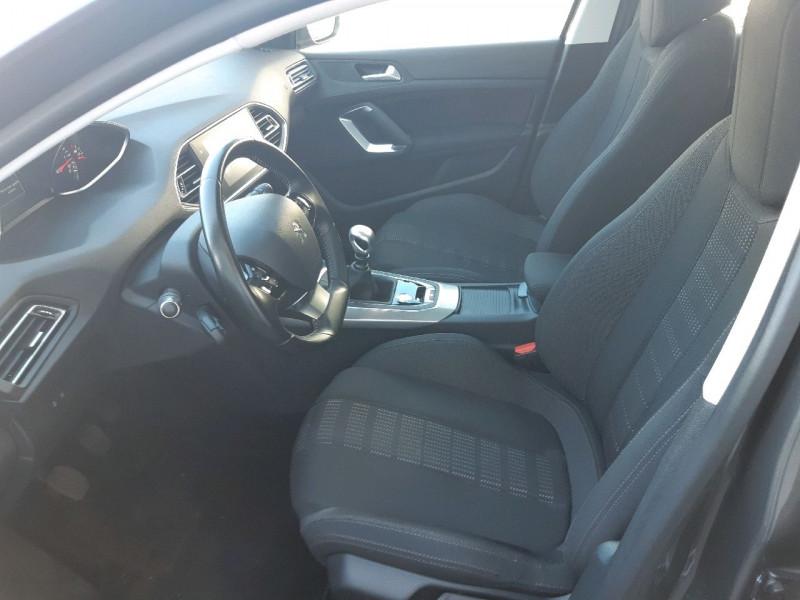 Photo 9 de l'offre de PEUGEOT 308 2.0 BLUEHDI 150CH ALLURE S&S 5P à 17390€ chez Carlyss automobiles Vitré