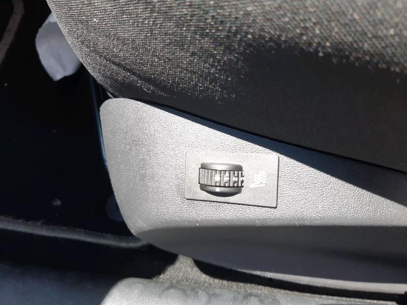 Photo 8 de l'offre de PEUGEOT 2008 1.2 PURETECH 82CH ACTIVE à 10790€ chez Carlyss automobiles Vitré