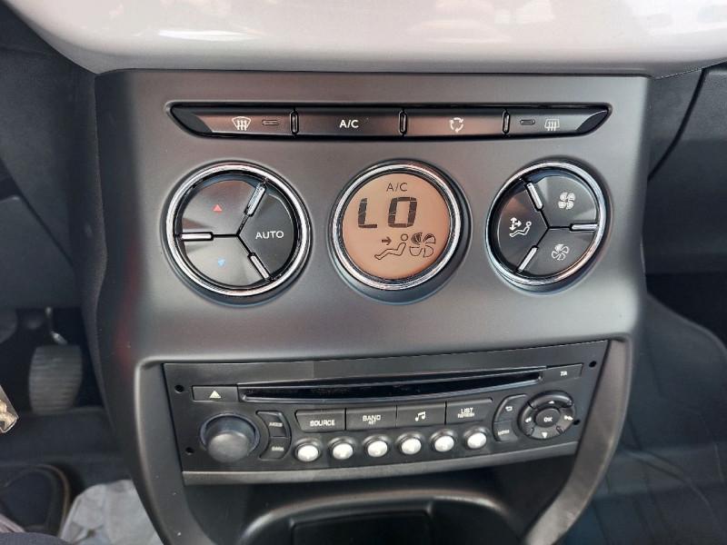 Photo 13 de l'offre de CITROEN DS3 1.2 VTI PURETECH SO CHIC à 9490€ chez Carlyss automobiles Vitré