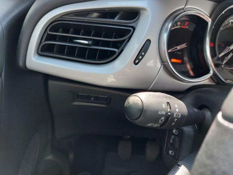 Photo 11 de l'offre de CITROEN DS3 1.2 VTI PURETECH SO CHIC à 9490€ chez Carlyss automobiles Vitré