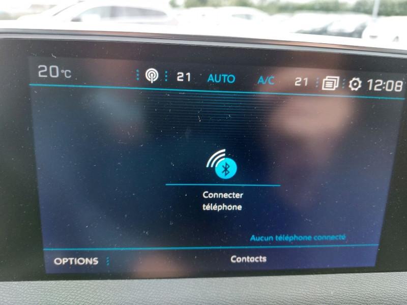Photo 15 de l'offre de PEUGEOT 3008 2.0 BLUEHDI 180CH S&S GT EAT8 à 26990€ chez Carlyss automobiles Vitré