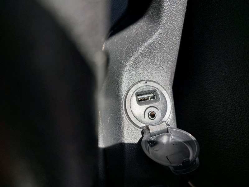 Photo 15 de l'offre de CITROEN DS3 1.2 VTI PURETECH SO CHIC à 9490€ chez Carlyss automobiles Vitré