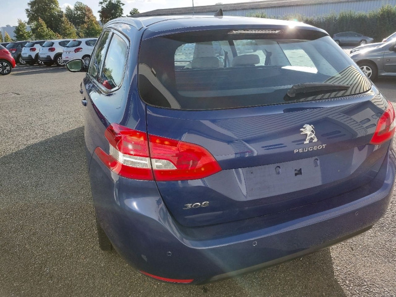 Photo 4 de l'offre de PEUGEOT 308 SW 1.5 BLUEHDI 130CH S&S ALLURE à 16990€ chez Carlyss automobiles Vitré