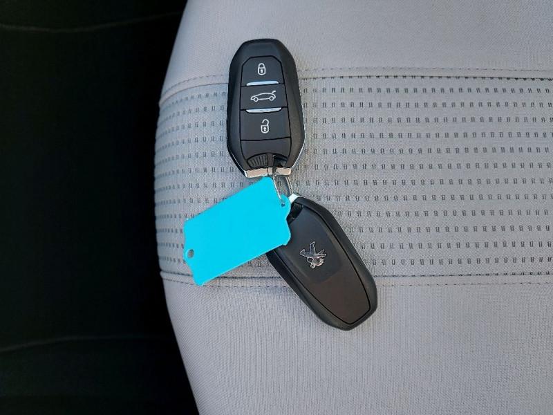 Photo 14 de l'offre de PEUGEOT 308 SW 1.5 BLUEHDI 130CH S&S ALLURE à 16990€ chez Carlyss automobiles Vitré