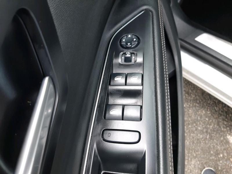 Photo 13 de l'offre de PEUGEOT 5008 2.0 BLUEHDI 180CH S&S GT LINE EAT8 à 25490€ chez Carlyss automobiles Vitré