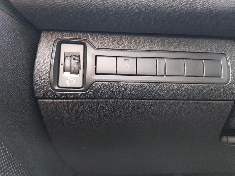 Photo 12 de l'offre de PEUGEOT 308 SW 1.5 BLUEHDI 130CH S&S ALLURE à 16990€ chez Carlyss automobiles Vitré