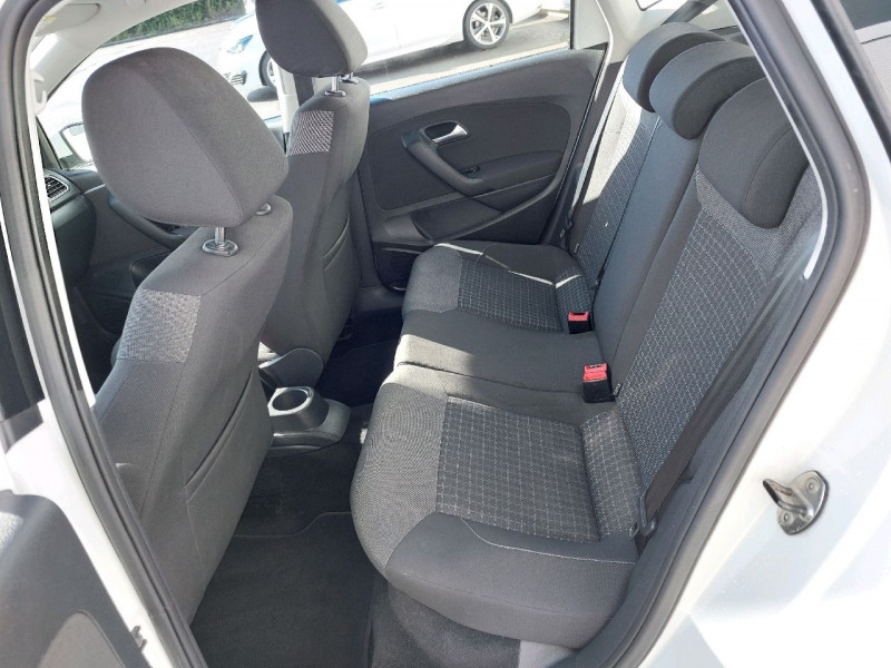 Photo 7 de l'offre de VOLKSWAGEN POLO 1.2 TSI 90CH BLUEMOTION TECHNOLOGY CONFORTLINE 5P à 10790€ chez Carlyss automobiles Vitré