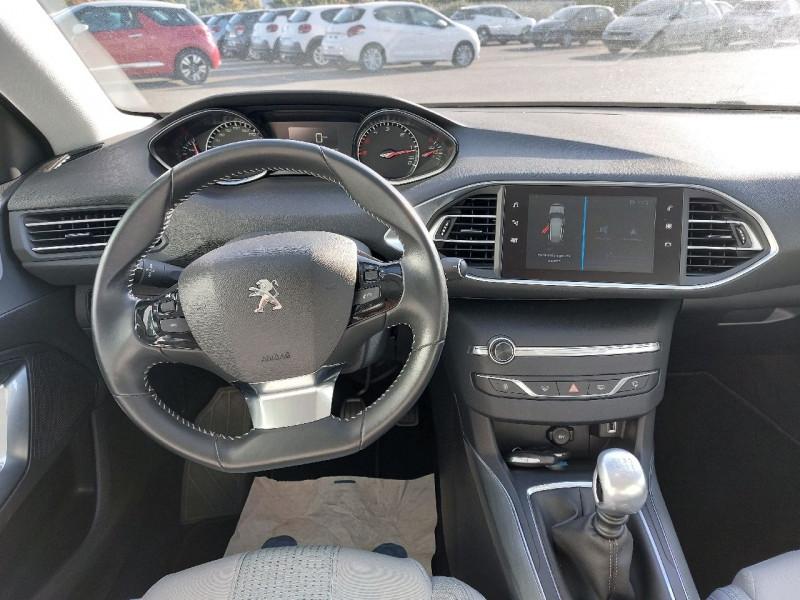 Photo 6 de l'offre de PEUGEOT 308 SW 1.5 BLUEHDI 130CH S&S ALLURE à 16990€ chez Carlyss automobiles Vitré