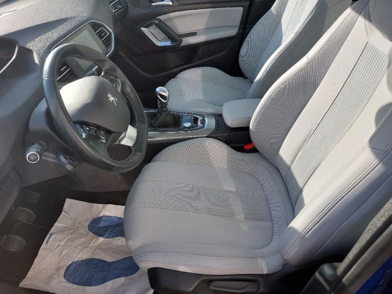 Photo 7 de l'offre de PEUGEOT 308 SW 1.5 BLUEHDI 130CH S&S ALLURE à 16990€ chez Carlyss automobiles Vitré