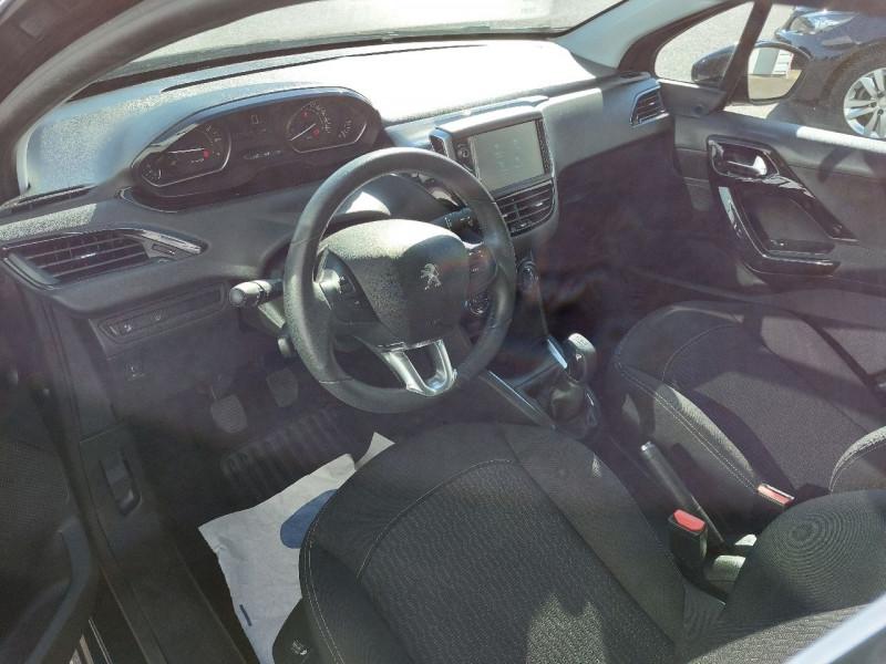 Photo 6 de l'offre de PEUGEOT 208 1.2 PURETECH 82CH ACTIVE 5P à 10990€ chez Carlyss automobiles Vitré