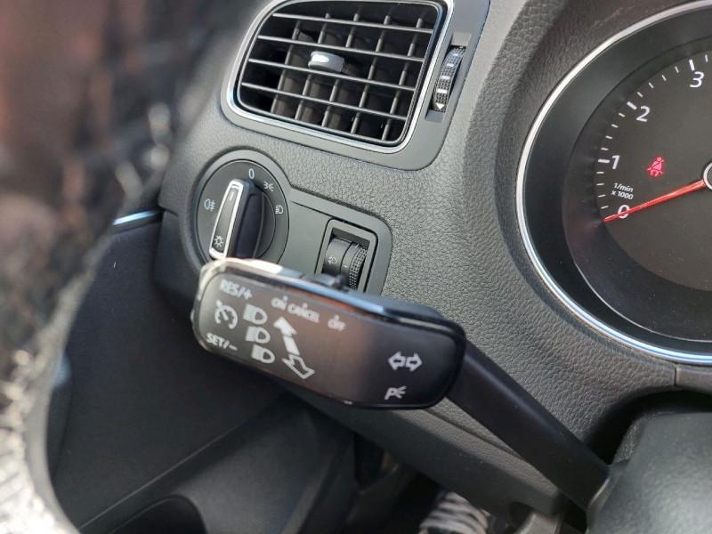 Photo 10 de l'offre de VOLKSWAGEN POLO 1.2 TSI 90CH BLUEMOTION TECHNOLOGY CONFORTLINE 5P à 10790€ chez Carlyss automobiles Vitré