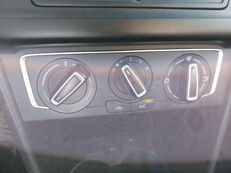 Photo 12 de l'offre de VOLKSWAGEN POLO 1.2 TSI 90CH BLUEMOTION TECHNOLOGY CONFORTLINE 5P à 10790€ chez Carlyss automobiles Vitré