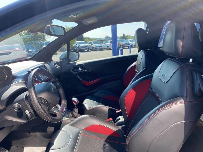 Photo 8 de l'offre de PEUGEOT 208 1.6 THP 200CH GTI 3P à 12990€ chez Carlyss automobiles Vitré