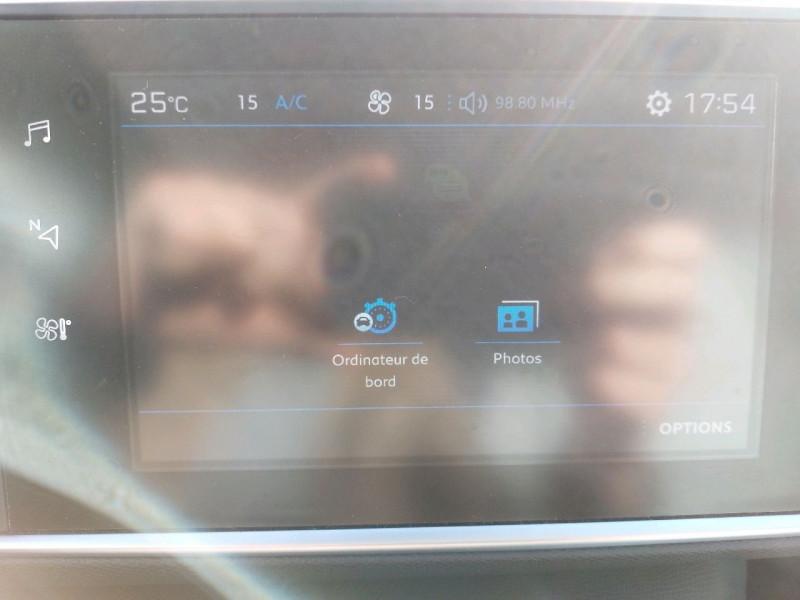 Photo 18 de l'offre de PEUGEOT 308 SW 1.5 BLUEHDI 130CH S&S ALLURE à 16990€ chez Carlyss automobiles Vitré
