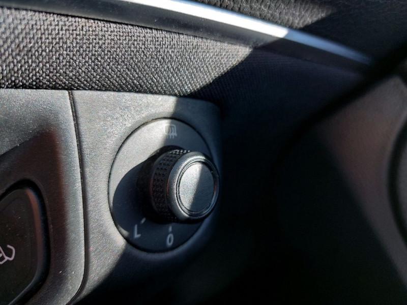 Photo 14 de l'offre de VOLKSWAGEN POLO 1.2 TSI 90CH BLUEMOTION TECHNOLOGY CONFORTLINE 5P à 10790€ chez Carlyss automobiles Vitré