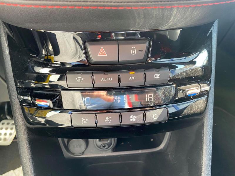 Photo 18 de l'offre de PEUGEOT 208 1.6 THP 200CH GTI 3P à 12990€ chez Carlyss automobiles Vitré