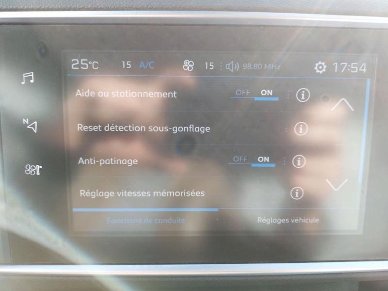 Photo 19 de l'offre de PEUGEOT 308 SW 1.5 BLUEHDI 130CH S&S ALLURE à 16990€ chez Carlyss automobiles Vitré