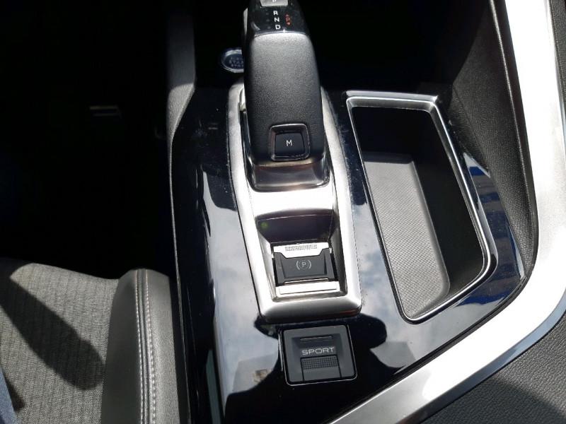 Photo 21 de l'offre de PEUGEOT 5008 2.0 BLUEHDI 180CH S&S GT LINE EAT8 à 25490€ chez Carlyss automobiles Vitré