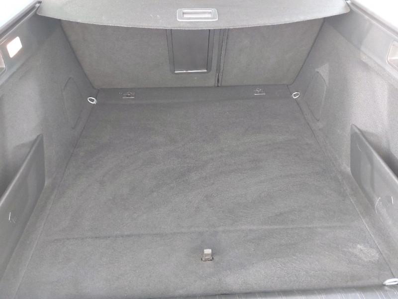 Photo 9 de l'offre de PEUGEOT 308 SW 1.5 BLUEHDI 130CH S&S ALLURE à 16990€ chez Carlyss automobiles Vitré