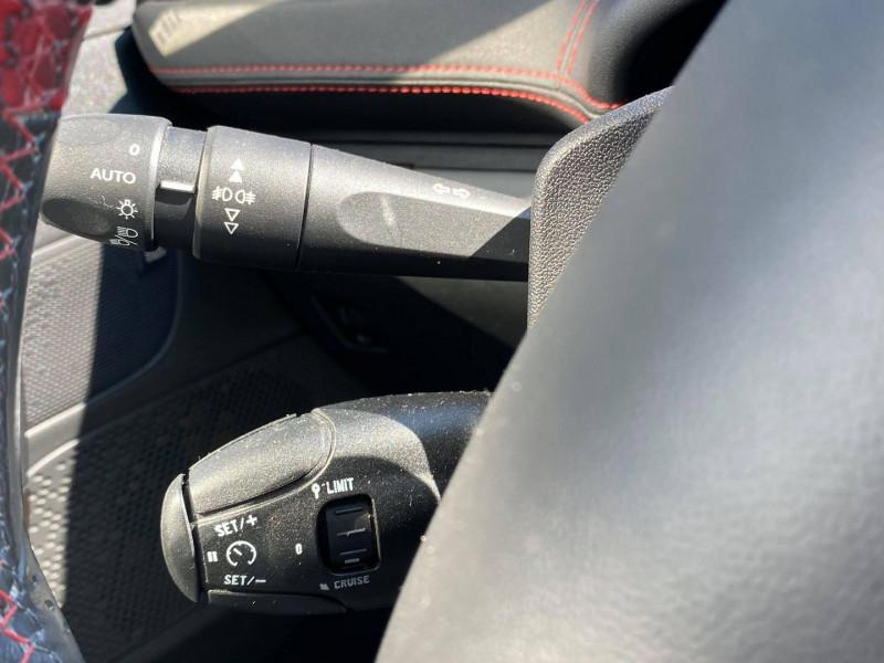 Photo 15 de l'offre de PEUGEOT 208 1.6 THP 200CH GTI 3P à 12990€ chez Carlyss automobiles Vitré
