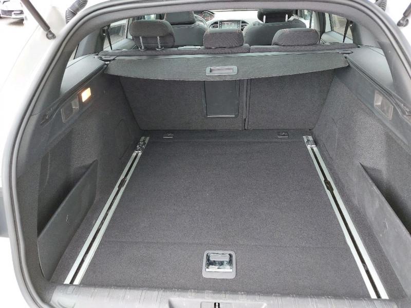 Photo 11 de l'offre de PEUGEOT 308 SW 1.5 BLUEHDI 130CH S&S GT LINE à 16990€ chez Carlyss automobiles Vitré
