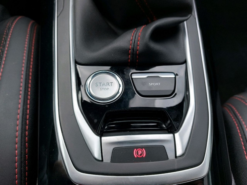 Photo 14 de l'offre de PEUGEOT 308 SW 1.5 BLUEHDI 130CH S&S GT LINE à 16990€ chez Carlyss automobiles Vitré