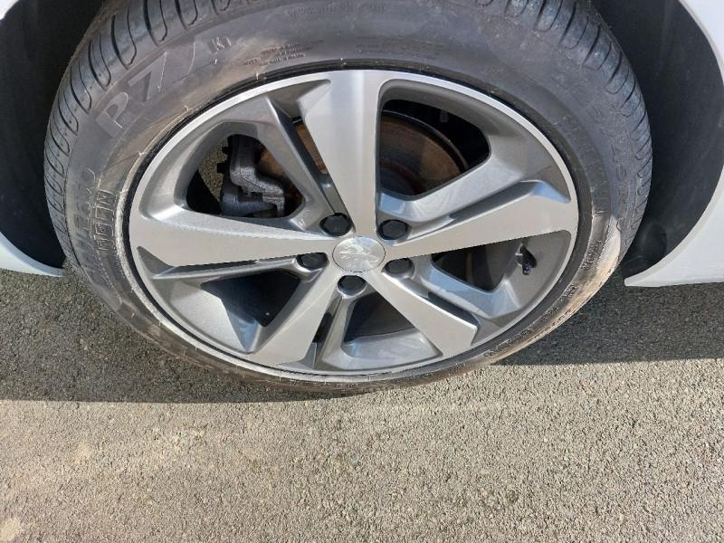 Photo 7 de l'offre de PEUGEOT 308 SW 1.5 BLUEHDI 130CH S&S GT LINE à 16990€ chez Carlyss automobiles Vitré