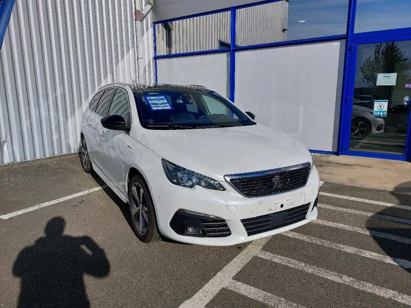Photo 1 de l'offre de PEUGEOT 308 SW 1.5 BLUEHDI 130CH S&S GT LINE à 16990€ chez Carlyss automobiles Vitré